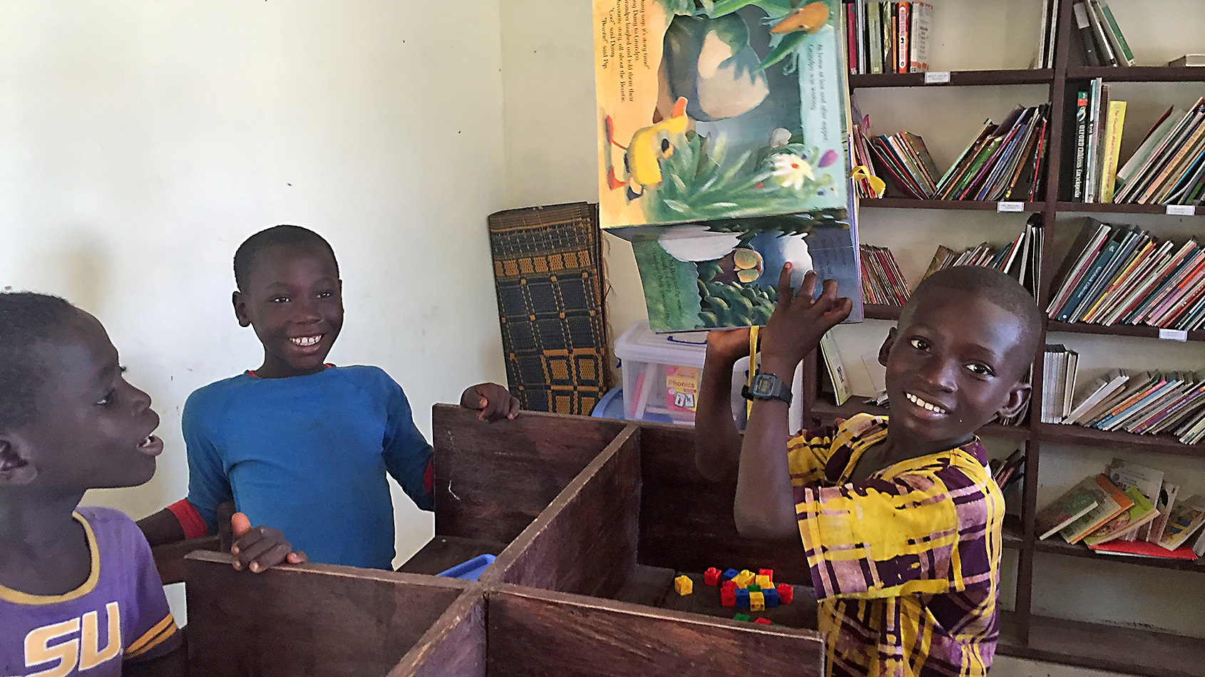 All reading spots have a mixture of African and British books