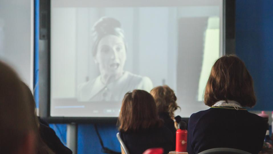 How teachers can use films in the school classroom