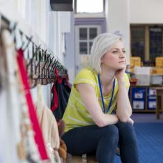 Teacher recruitment: Target teacher pay rises to stop post-Covid school staff shortages, DfE told