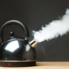 Disadvantage, levelling up: Boiling kettle, emitting vast amount of steam