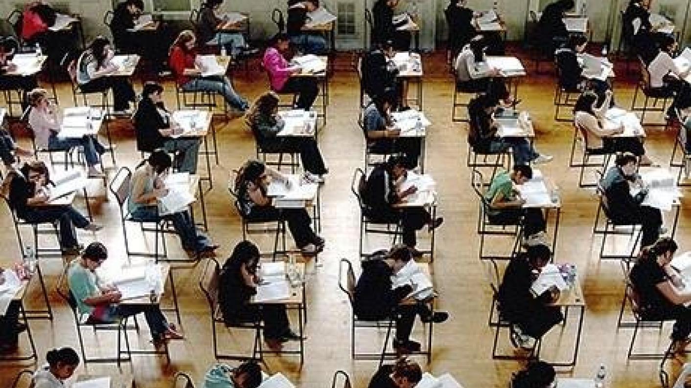 GCSE resit exams progress colleges fail FE maths english
