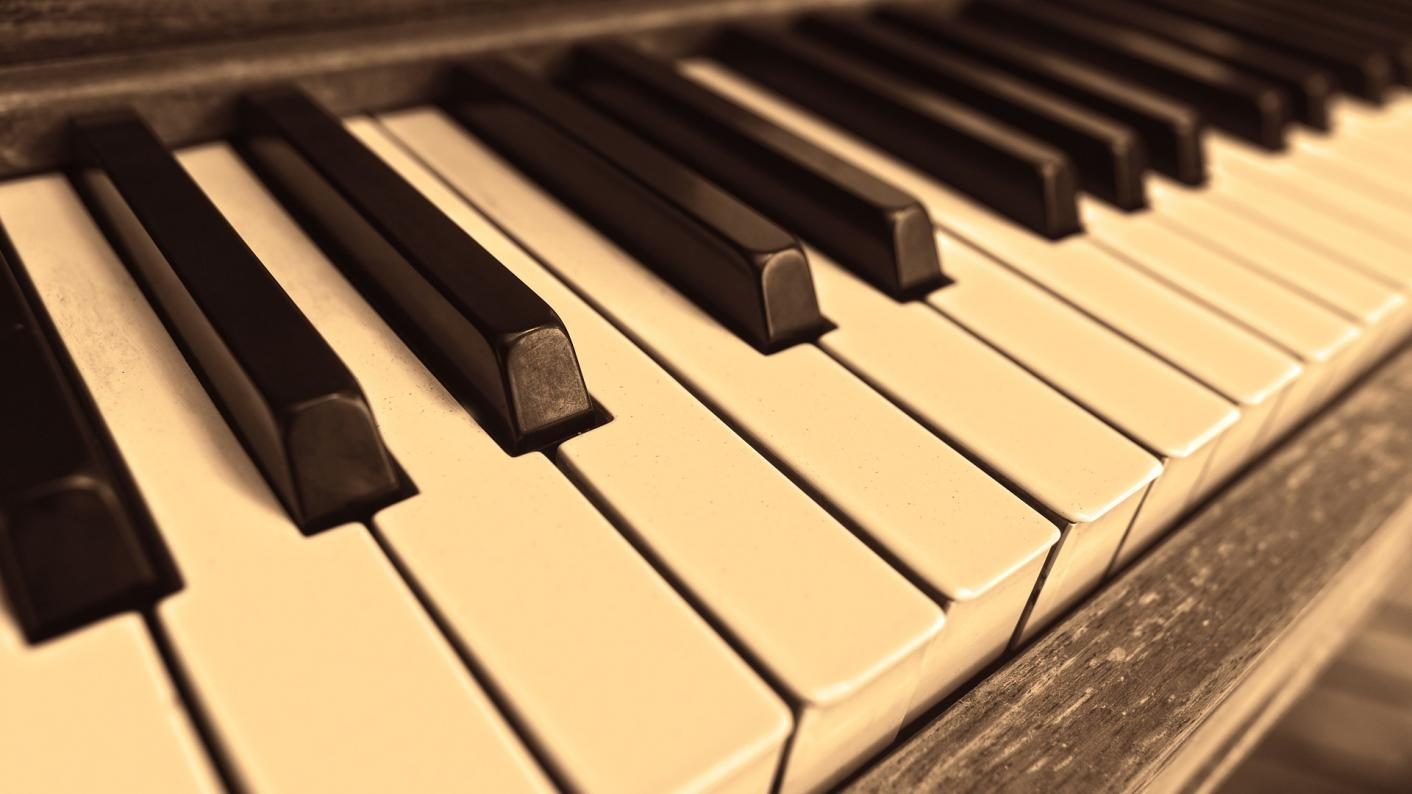 Music tuition denied to 100,000 children, report finds