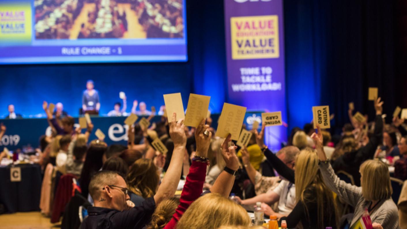 Campaign to demand big cut to teachers' classroom time