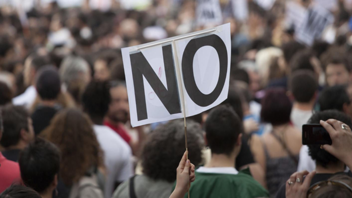 Nottingham College staff will protest tomorrow over new contracts they feel are being imposed on teachers