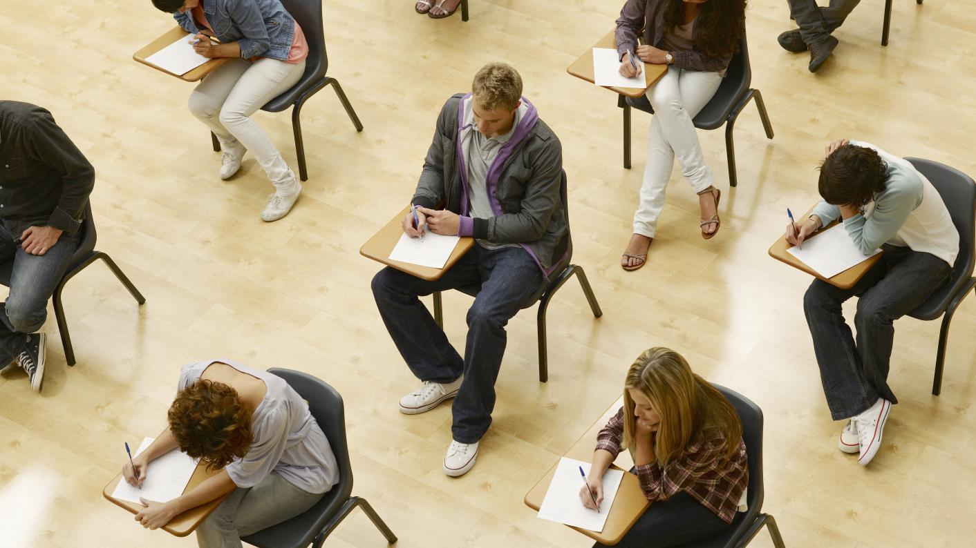 GCSE resits results day: grade boundaries revealed