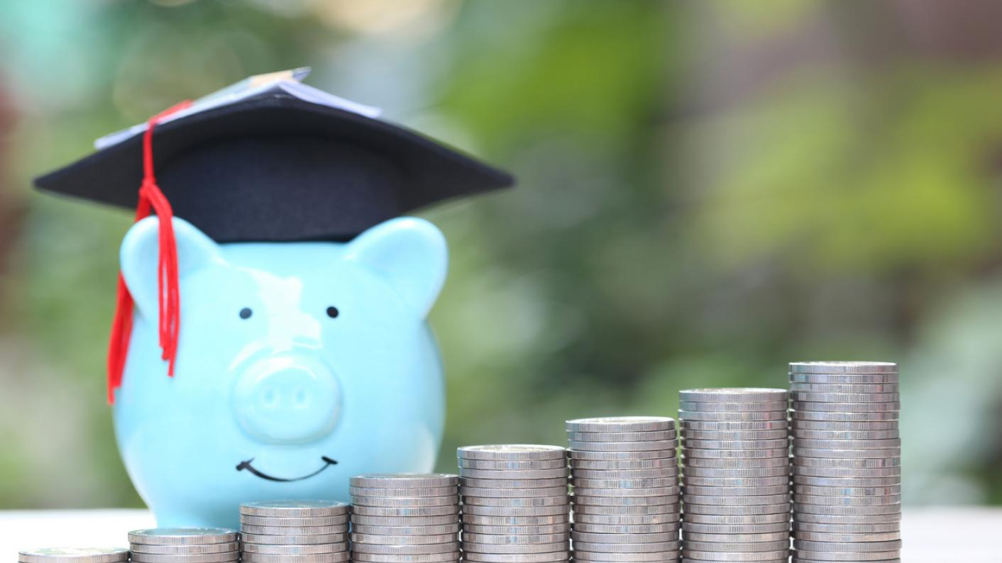 Four in 10 people think teachers are paid too little