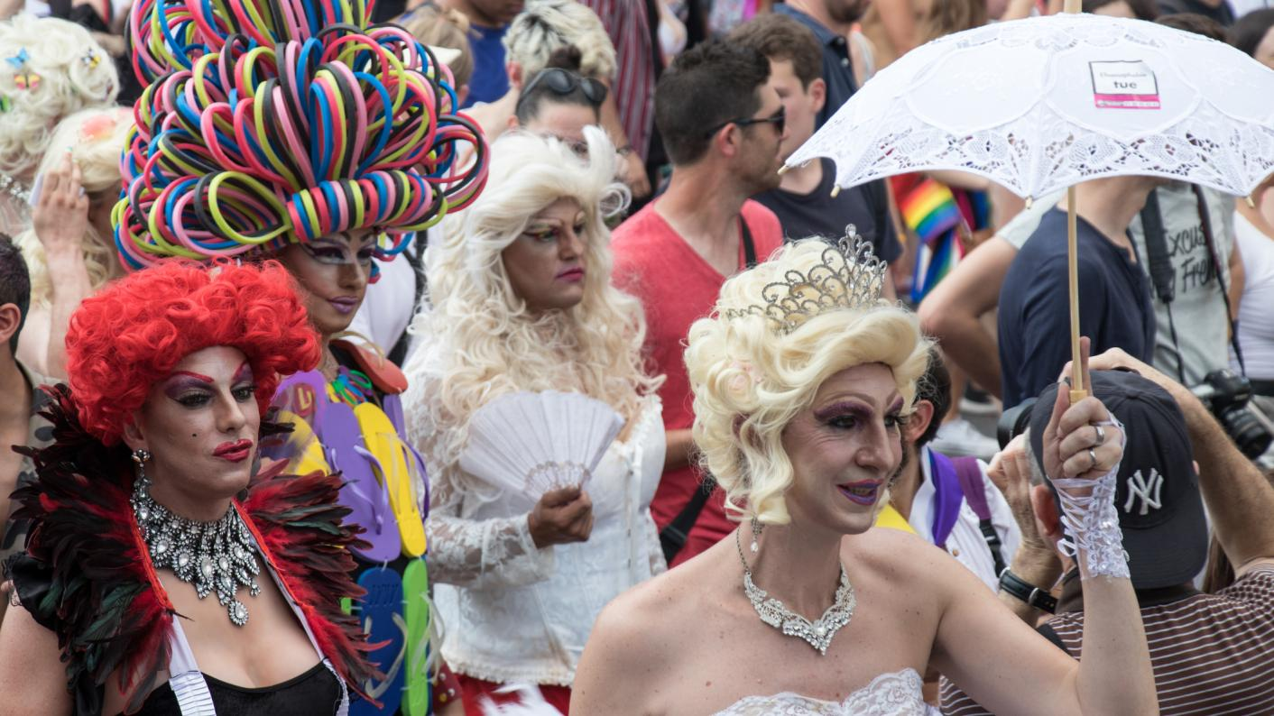 Drag queen's visit to primary sparks social media storm