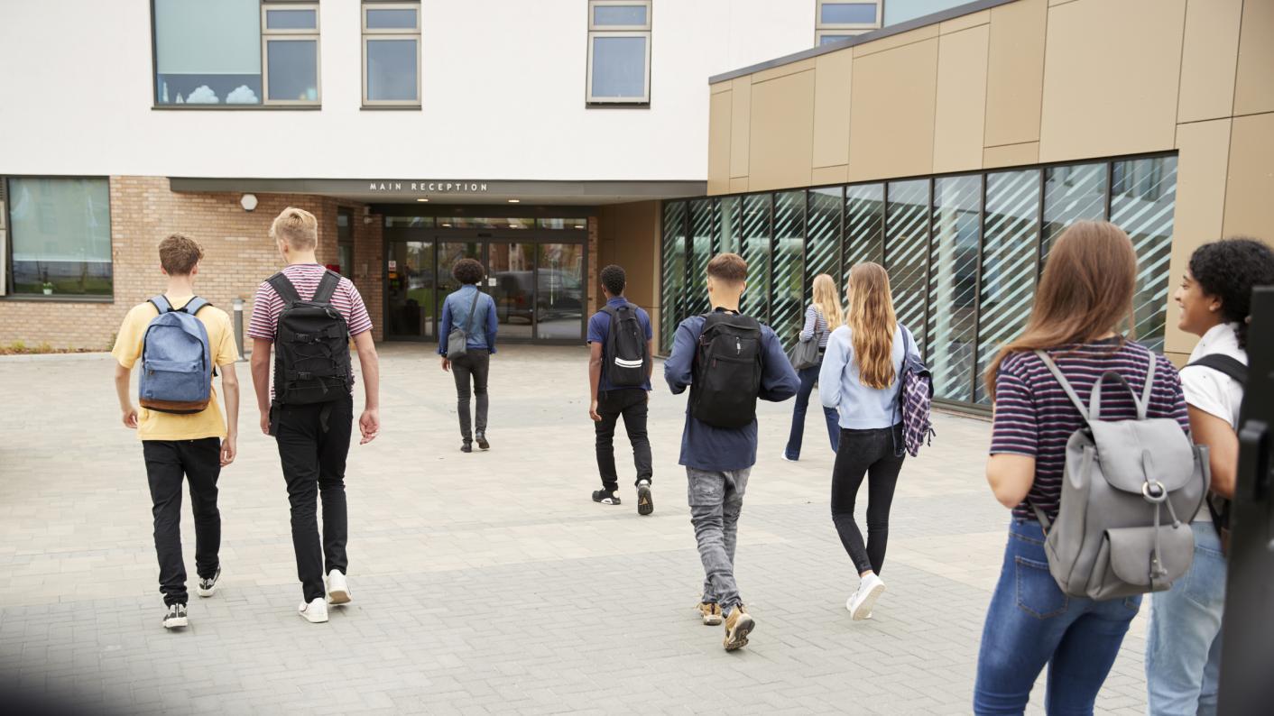 Coronavirus: Dismay grows over numbers in schools