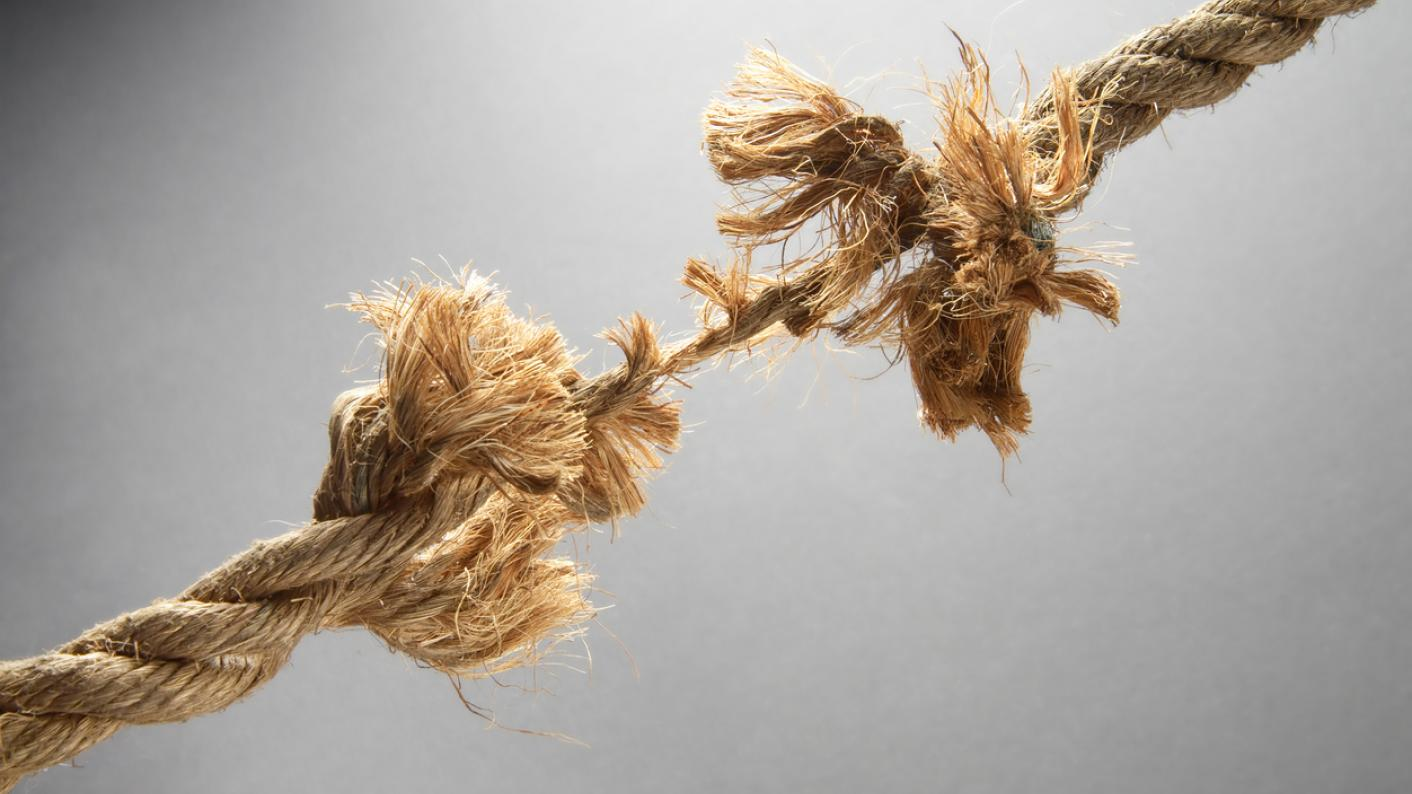 Rope, fraying under strain