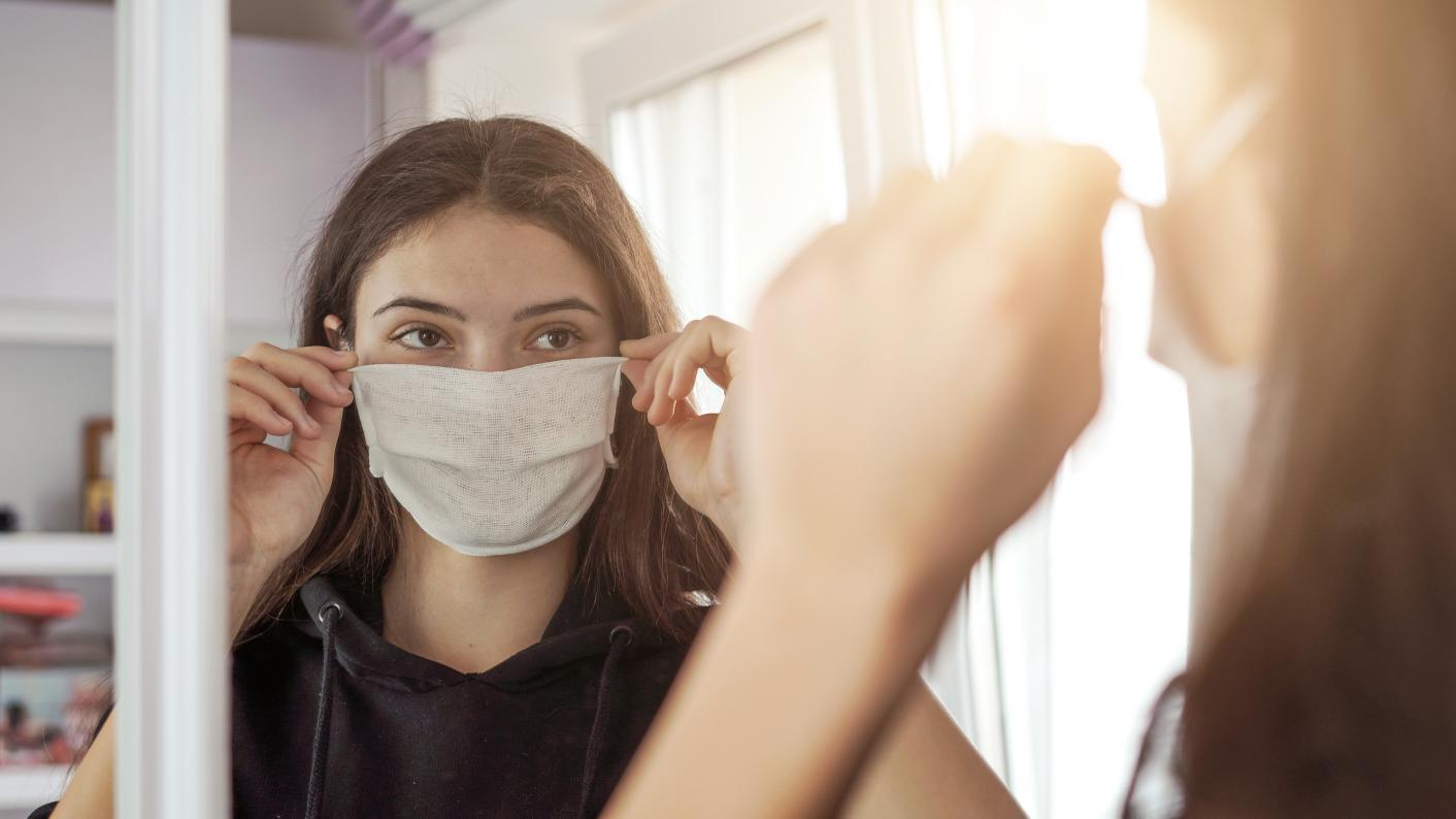 Covid and schools: It's dangerous not to wear face masks right now, says top scientist