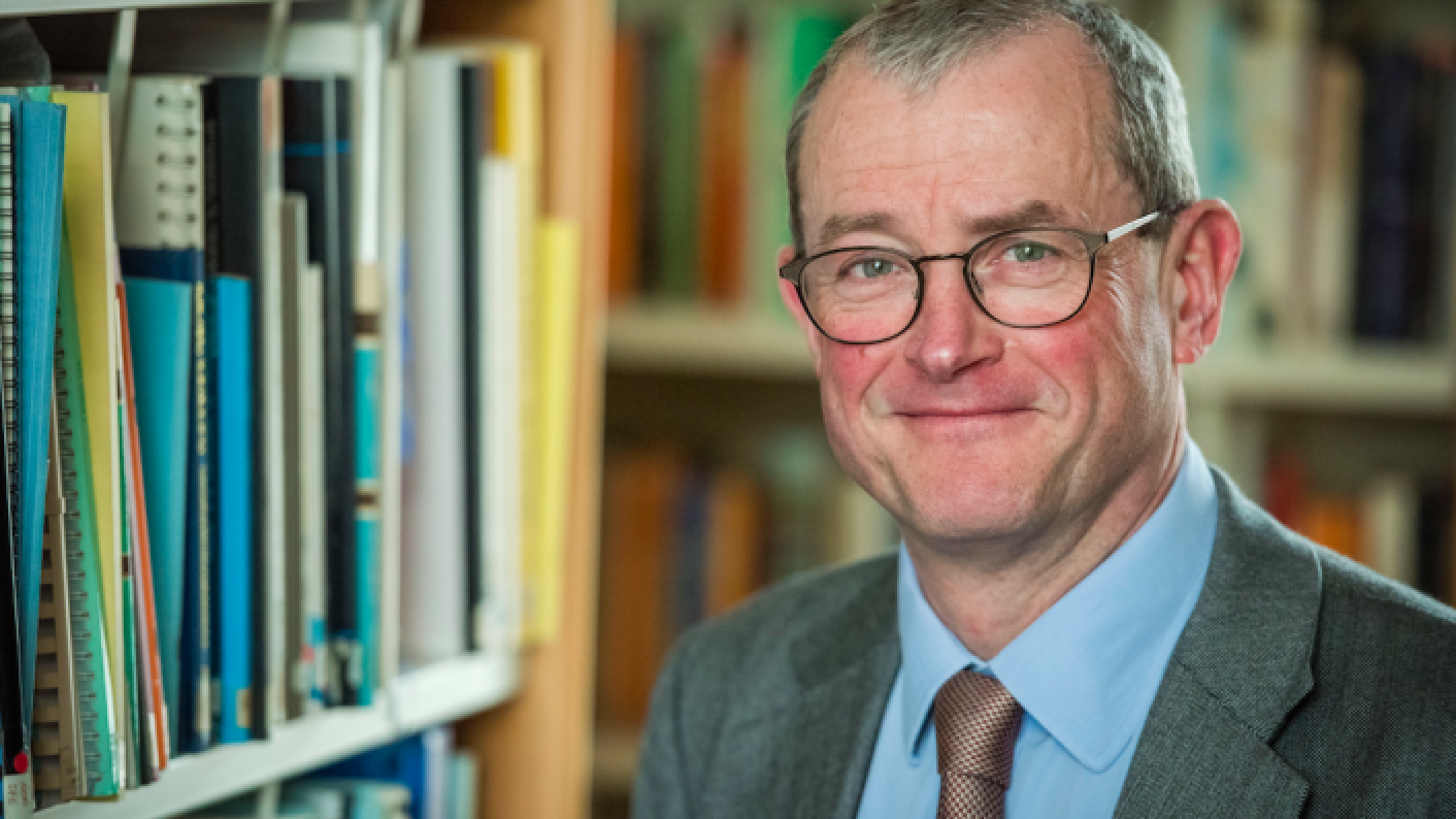 GCSEs and A levels 2022: 'Strong desire' for exams after teacher-assessed grades, says Ofqual chief Simon Lebus