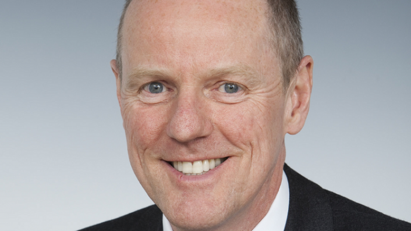 Mobile phone crackdown in schools may only amount to advice, admits Nick Gibb