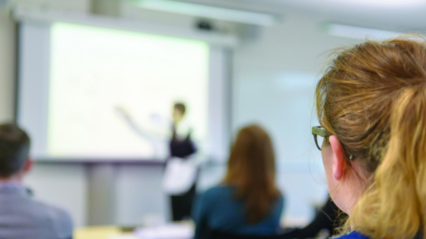 A plan to create apprenticeships to allow non-graduates to train as teachers has been dropped